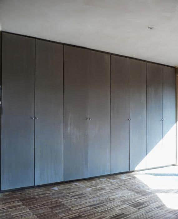 Kastdeuren, afgewerkt met kalkverf